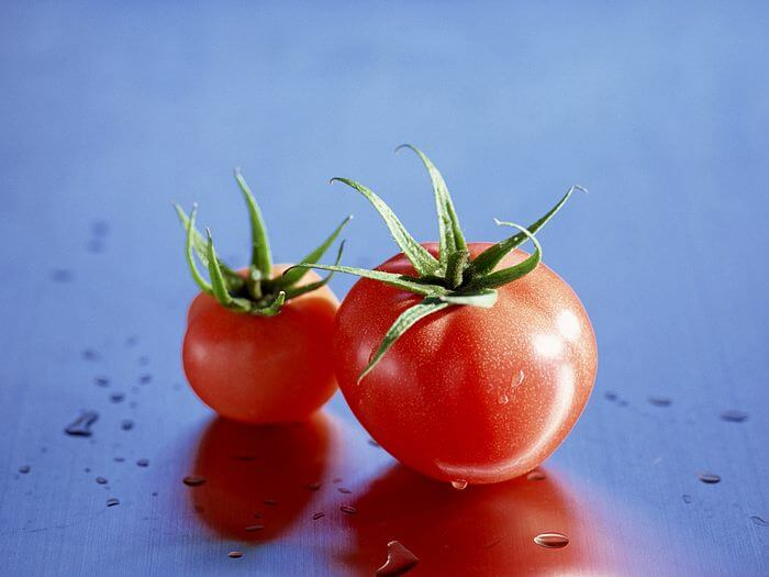 fruit_tomato_wallpaper_EM085